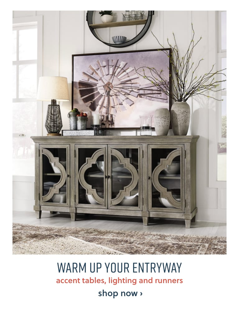 Entryway Accent Tables, Lighting and Runners