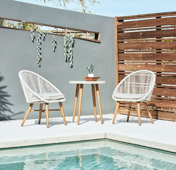 backyard small space furniture