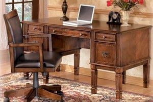 Hamlyn home office desk with knee hole